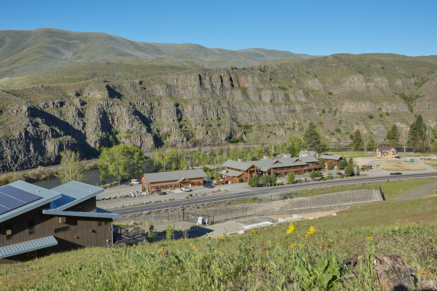 Cabins near the vineyard overlook Canyon River Ranch and the Yakima Canyon.