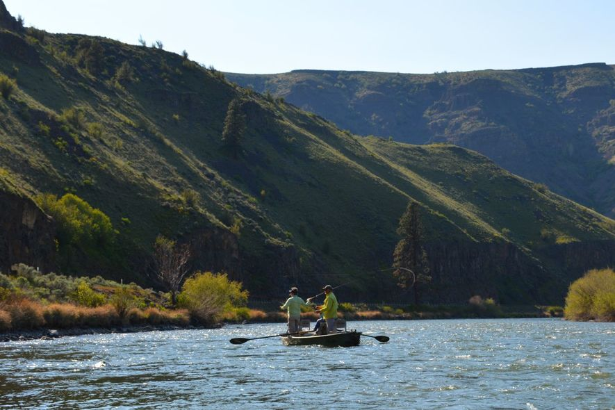 floating and fishing the yakima canyon